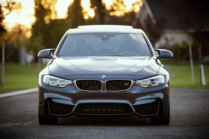 我現在有1台 BMW X3汽車,想借約20萬元左右,利息怎麼算?實拿20萬嗎?會不會扣保管費以及額外的費用呢?